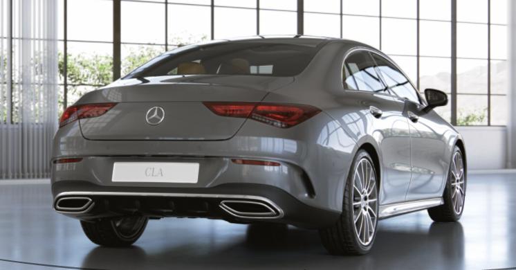 Mercedes-Benz CLA 200 AMG full